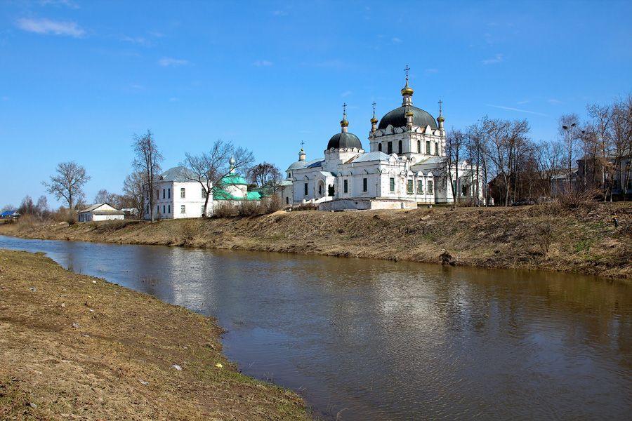 Тихвинскую церковь передают епархии