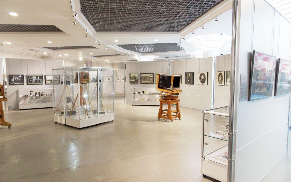 Выставка проходит на 2 этаже КВЦ