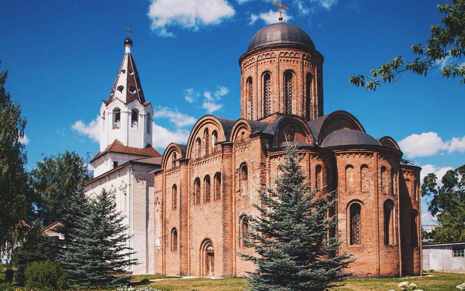 Храм Петра и Павла XII века