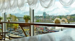 Вид из панорамного кафе «Ангара» в Смоленске