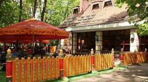 Летняя площадка кафе «Русский двор»